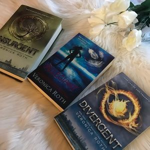 Other - Veronica Roth Series Book Set